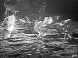 CNN.co.jp:アポロ11号の映像を復元、公開 月面着陸40周年で